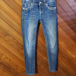 MissMe midrise skinny Jean's with silver stitched